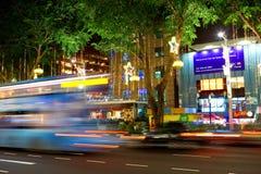 Άποψη νύχτας της διακόσμησης Χριστουγέννων στο δρόμο οπωρώνων της Σιγκαπούρης στις 19 Νοεμβρίου 2014 Στοκ εικόνα με δικαίωμα ελεύθερης χρήσης