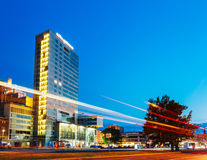 Άποψη νύχτας της πόλης Plaza στο Ταλίν, Εσθονία Στοκ Φωτογραφία