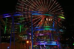 Άποψη νύχτας της ρόδας Ferris του πάρκου στοκ εικόνες με δικαίωμα ελεύθερης χρήσης