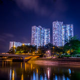 Άποψη νύχτας της στέγασης κοινής ωφελείας στο Χονγκ Κονγκ Στοκ Εικόνες