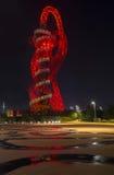 Άποψη νύχτας της τροχιάς ArcelorMittal, βασίλισσα Elizabeth Olympic Park, Λονδίνο Στοκ Εικόνες