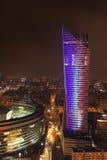 Άποψη νύχτας του κτηρίου κεντρικών πόλεων της Βαρσοβίας στην Πολωνία στην Ευρώπη Στοκ εικόνα με δικαίωμα ελεύθερης χρήσης