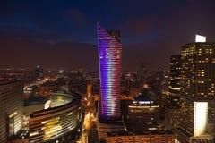 Άποψη νύχτας του κτηρίου κεντρικών πόλεων της Βαρσοβίας στην Πολωνία στην Ευρώπη Στοκ φωτογραφία με δικαίωμα ελεύθερης χρήσης