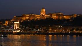 Άποψη νύχτας του μέρους Buda της Βουδαπέστης φιλμ μικρού μήκους