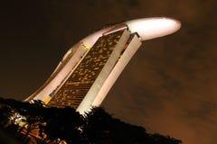 Άποψη νύχτας του ξενοδοχείου άμμων Στοκ φωτογραφία με δικαίωμα ελεύθερης χρήσης