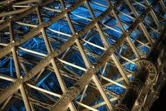 Άποψη νύχτας του πύργου χάλυβα Στοκ Φωτογραφίες