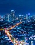 Άποψη νύχτας του δρόμου Charoen Nakhon Στοκ Εικόνα