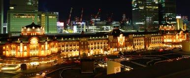 Άποψη νύχτας του σταθμού της Ιαπωνίας Τόκιο Στοκ Φωτογραφίες