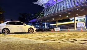 Άποψη νύχτας του χώρου στάθμευσης κοντά στο σταθμό βαρκών, Σιγκαπούρη jan 2018 στοκ φωτογραφίες με δικαίωμα ελεύθερης χρήσης