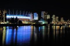 Άποψη νύχτας του ψεύτικου κολπίσκου στοκ φωτογραφία με δικαίωμα ελεύθερης χρήσης