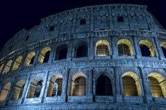 Άποψη νύχτας Fisheye έξω από το Colosseum, Ρώμη, Ιταλία στοκ φωτογραφίες