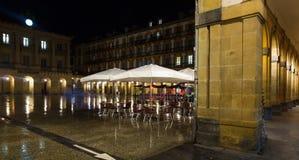 Άποψη νύχτας Plaza de Λα Constitucion το φθινόπωρο San Sebastian Στοκ Φωτογραφία
