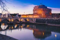 Άποψη νύχτας Sant ` Angelo Castle στη Ρώμη, Ιταλία Στοκ Φωτογραφία
