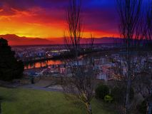 Άποψη νύχτας Tortosa από το κάστρο Suda στοκ φωτογραφία με δικαίωμα ελεύθερης χρήσης