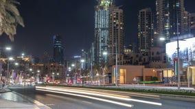 Άποψη οδών του ορίζοντα του Ντουμπάι timelapse και της κυκλοφορίας ώρας κυκλοφοριακής αιχμής μέσα κεντρικός τη νύχτα απόθεμα βίντεο
