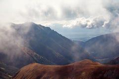 Άποψη οριζόντων από Volovec στα βουνά Tatra Στοκ φωτογραφία με δικαίωμα ελεύθερης χρήσης