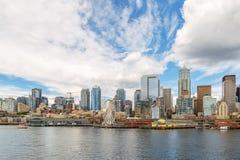 Άποψη οριζόντων και προκυμαιών του Σιάτλ, πολιτεία της Washington, ΗΠΑ στοκ φωτογραφία με δικαίωμα ελεύθερης χρήσης