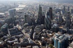 Άποψη οριζόντων πόλεων του Λονδίνου άνωθεν Στοκ Φωτογραφία