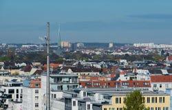 Άποψη οριζόντων του Αμβούργο από μια στέγη στοκ εικόνες