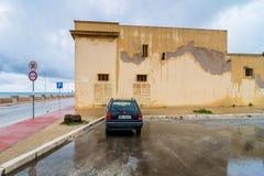 Άποψη οδών με την αντανάκλαση σε Marsala, Ιταλία στοκ εικόνα με δικαίωμα ελεύθερης χρήσης