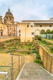 Άποψη οδών με τις ρωμαϊκές καταστροφές σε Marsala, Ιταλία στοκ φωτογραφία