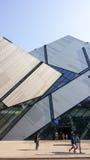 Άποψη οδών σχετικά με το βασιλικό μουσείο του Οντάριο το καλοκαίρι Στοκ Εικόνα