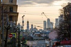 Άποψη οδών, το παλαιό κέντρο της Μόσχας στο φως της ημέρας Στοκ Φωτογραφίες