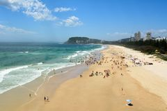 Άποψη πέρα από την παραλία κεφαλιών Burleigh στο Queensland, Αυστραλία Στοκ φωτογραφίες με δικαίωμα ελεύθερης χρήσης