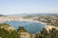 Άποψη πέρα από την παραλία Λα Concha στοκ φωτογραφίες