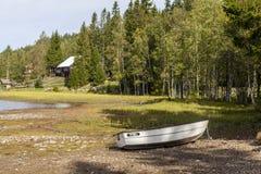 Άποψη πέρα από τη λίμνη Skjeppsjoen στοκ εικόνες με δικαίωμα ελεύθερης χρήσης
