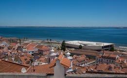 Άποψη πέρα από τη Λισσαβώνα στην ημέρα στοκ φωτογραφία με δικαίωμα ελεύθερης χρήσης