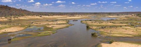 Άποψη πέρα από τον ποταμό Olifants στο εθνικό πάρκο Kruger στοκ φωτογραφία με δικαίωμα ελεύθερης χρήσης