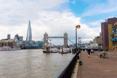 Άποψη πέρα από τον Τάμεση στο Λονδίνο, UK Στοκ Εικόνες