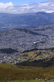 Άποψη πέρα από το νότιο Κουίτο, Ισημερινός Στοκ φωτογραφία με δικαίωμα ελεύθερης χρήσης