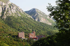 Άποψη πέρα από Herculane spa την πόλη στη Ρουμανία στοκ φωτογραφία με δικαίωμα ελεύθερης χρήσης