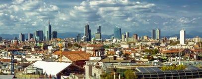 Άποψη πανοράματος εικονικής παράστασης πόλης του Μιλάνου στοκ φωτογραφίες
