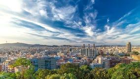 Άποψη πανοράματος της πόλης της Βαρκελώνης από Montjuic timelapse στη νεφελώδη ημέρα Καταλωνία, Ισπανία απόθεμα βίντεο