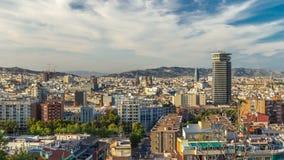 Άποψη πανοράματος της πόλης της Βαρκελώνης από Montjuic timelapse στη νεφελώδη ημέρα Καταλωνία, Ισπανία φιλμ μικρού μήκους