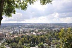 Άποψη πανοράματος της πόλης Cluj-Napoca από την περιοχή της Τρανσυλβανίας στη Ρουμανία Στοκ Φωτογραφία