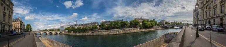 Άποψη πανοράματος του ποταμού Σηκουάνας στο Παρίσι Στοκ φωτογραφίες με δικαίωμα ελεύθερης χρήσης