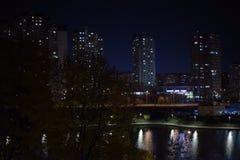 Άποψη παραθύρων σχετικά με την πόλη στοκ εικόνες με δικαίωμα ελεύθερης χρήσης
