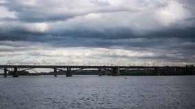 Άποψη παραλιών των σύννεφων και του νερού στοκ φωτογραφίες με δικαίωμα ελεύθερης χρήσης
