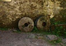 Άποψη παλαιά millstones Στοκ φωτογραφία με δικαίωμα ελεύθερης χρήσης