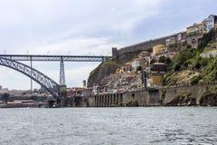 Άποψη παλαιού στο κέντρο της πόλης, της πόλης Castle και της διάσημης γέφυρας DOM Luiz Στοκ Εικόνες