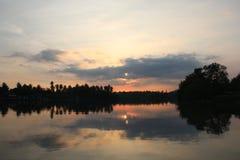Άποψη ποταμών πρίν εξισώνει το χρόνο Στοκ Φωτογραφία