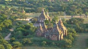 Άποψη πουλί-ματιών ναών Bagan Ζουμ μέσα απόθεμα βίντεο