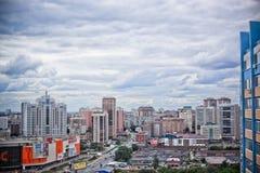 Άποψη πουλιών πέρα από την πόλη του Novosibirsk Ρωσία στοκ εικόνες