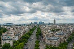 Άποψη προς το Grande Arche de Λα Defense Παρίσι Στοκ Εικόνες