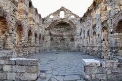 Άποψη πρωινού σχετικά με την εκκλησία των καταστροφών του ST Sophia σε Nessebar, Βουλγαρία. Στοκ Φωτογραφία