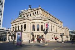 Άποψη πρωινού του κτηρίου οπερών Alte στην πόλη της Φρανκφούρτης Αμ Μάιν, Γερμανία Στοκ Φωτογραφίες